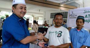 Alumni SMAN 1 Medan Berbagi Bersama Kaum Dhuafa