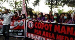 Mahasiswa Protes PLN Putus Aliran Listrik Kampus AMIK