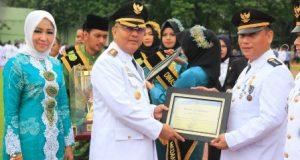 Walikota Medan Beri Penghargaan Kecamatan Terbaik 2018